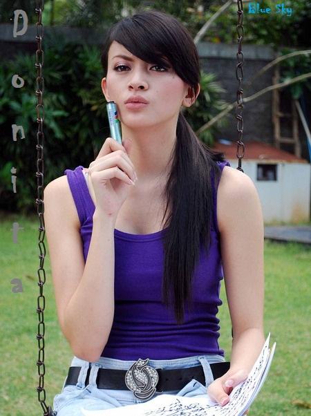 Donita - Biodata dan Foto Artis Cantik Indonesia