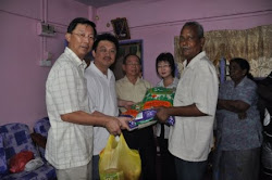 27.11.2011 Family In Need at PJS