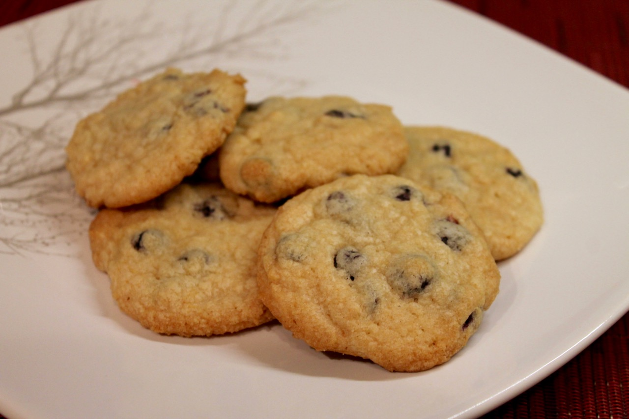 Cook In / Dine Out: Momofuku Milk Bar Blueberry & Cream Cookies