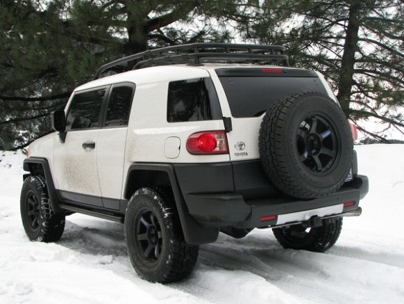 Once Equipped, The FJ Cruiser Can Provide Up To 5000 Pounds Of Towing  Capacity. Fuel Economy An Estimated 21 Mpg Highway, 17 Mpg City And 18 Mpg  In Combined ...