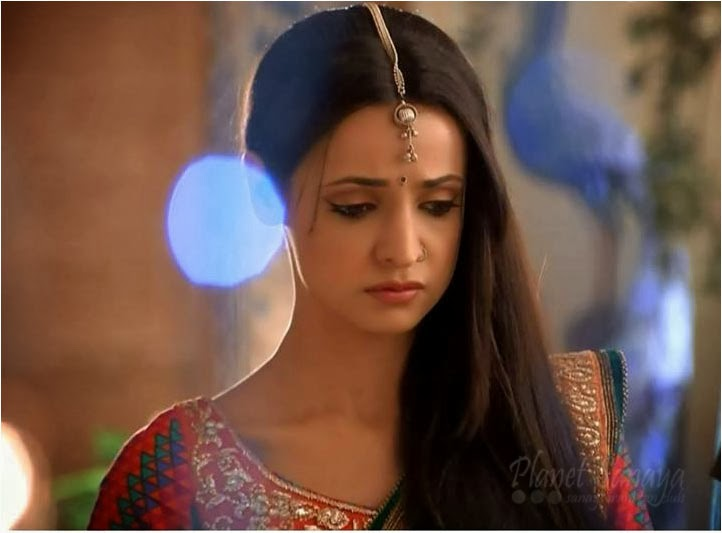 Sanaya Irani as Parvati in Rangrasiya