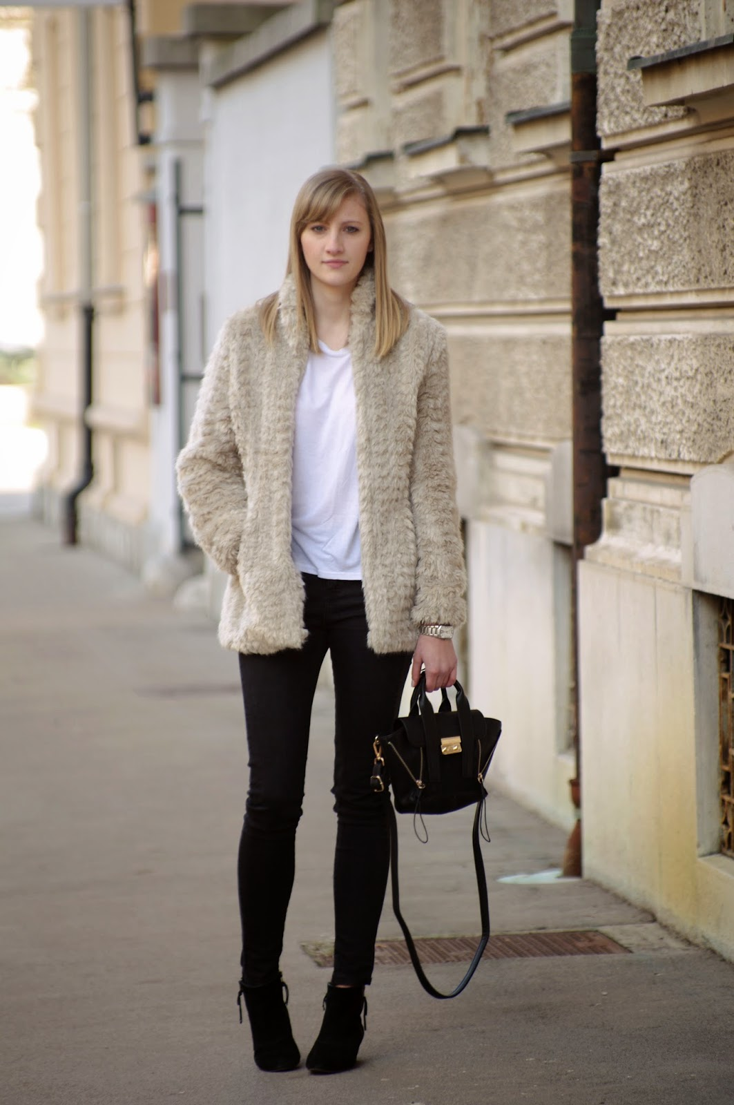 fur jacket, faux fur, nude beige jacket, mini pashli phillip lim lookalike replica, suede ankle boots, stockholm street style, ljubljana street style, fashion blog blogger, style blogger, winter trends 2014