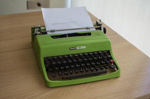 Olivetti Lettera 32 typewriter - Máquina de escrver Olivetti Lettera 32