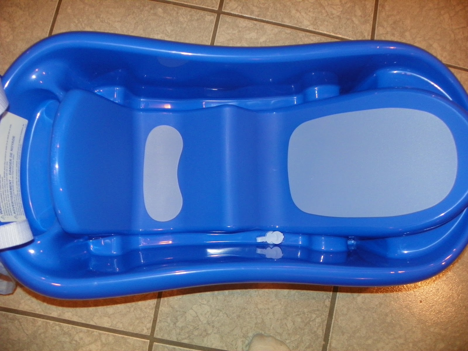 The First Years Sure Comfort Newborn to Toddler Tub Review and ...