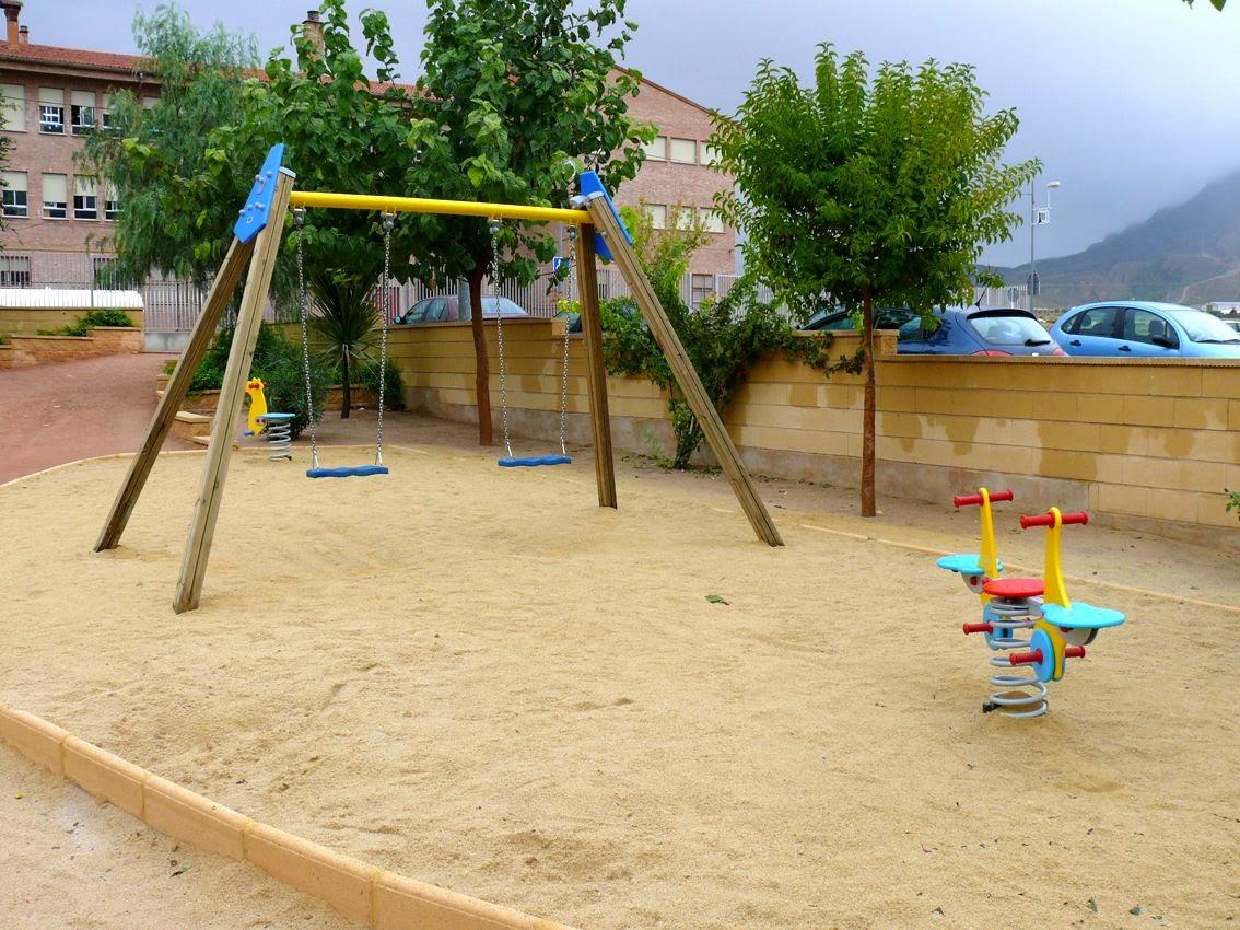 marchena al d a recogida de firmas para la instalaci n de On como montar un parque infantil