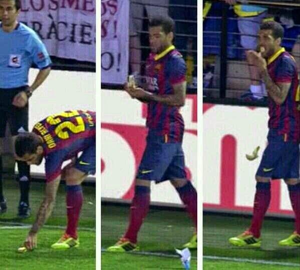 Alves se come un plátano que le lanza un aficionado en el Madrigal, racismo en el fútbol