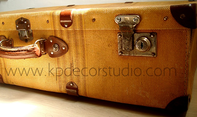 Kp tienda vintage online maleta antigua amarilla yelow for Maletas antiguas online