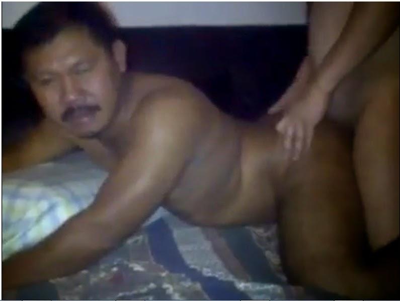 bokep gay indo bapak berkumis di entot keenakan