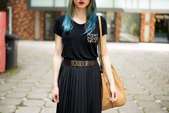 Skinny Buddha black top pleated skirt turquoise hair Mango bucket bag