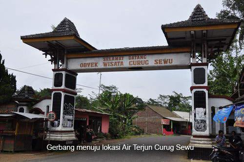Objek Wisata Curug Sewu Jawa Tengah