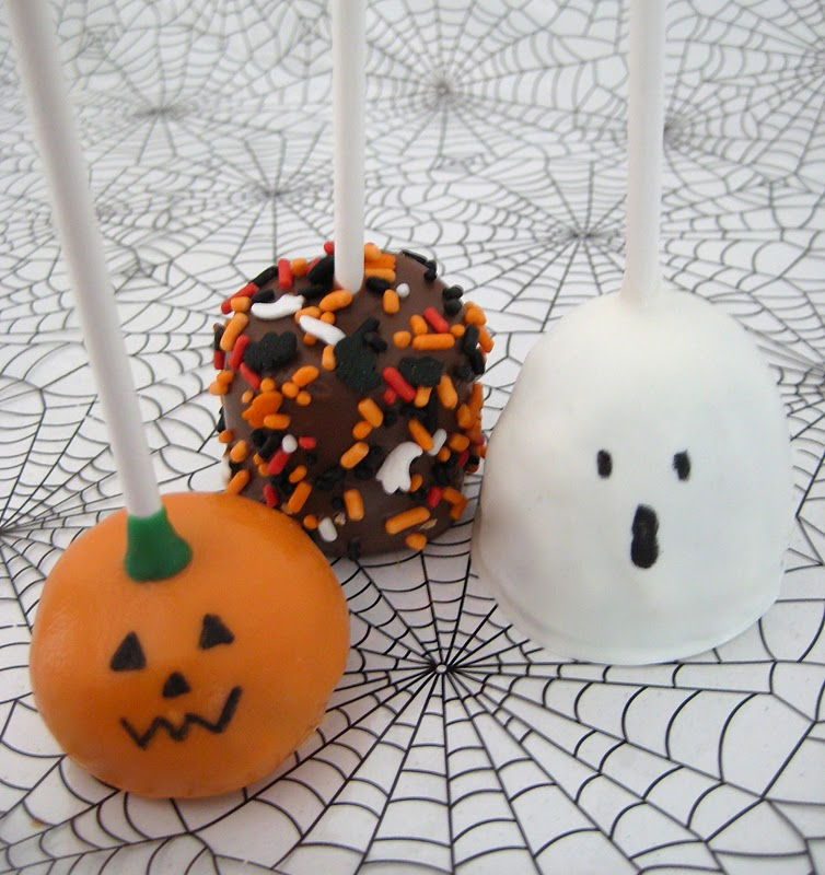 Cute friendly halloween pops lindsay ann bakes Cute easy halloween cakes