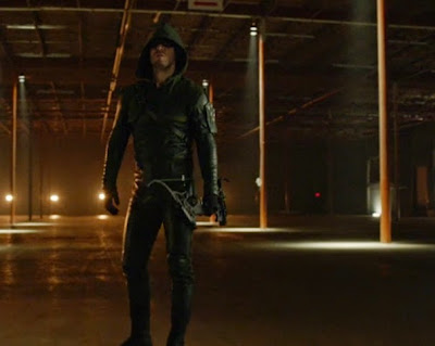 Arrow Stephen Amell leather hooded outfit bow costume pics screencaps