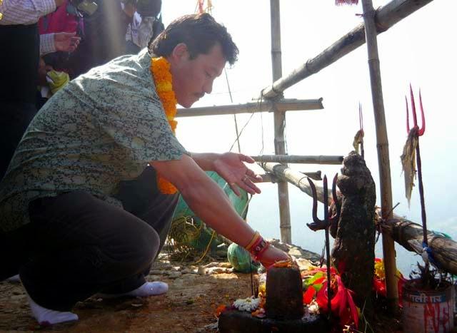 Bimal Gurung in Mungpoo Chuli thumka Mandir