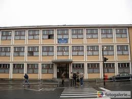 B épület Avram Iancu Technológiai Líceum (V-VIII osztály)