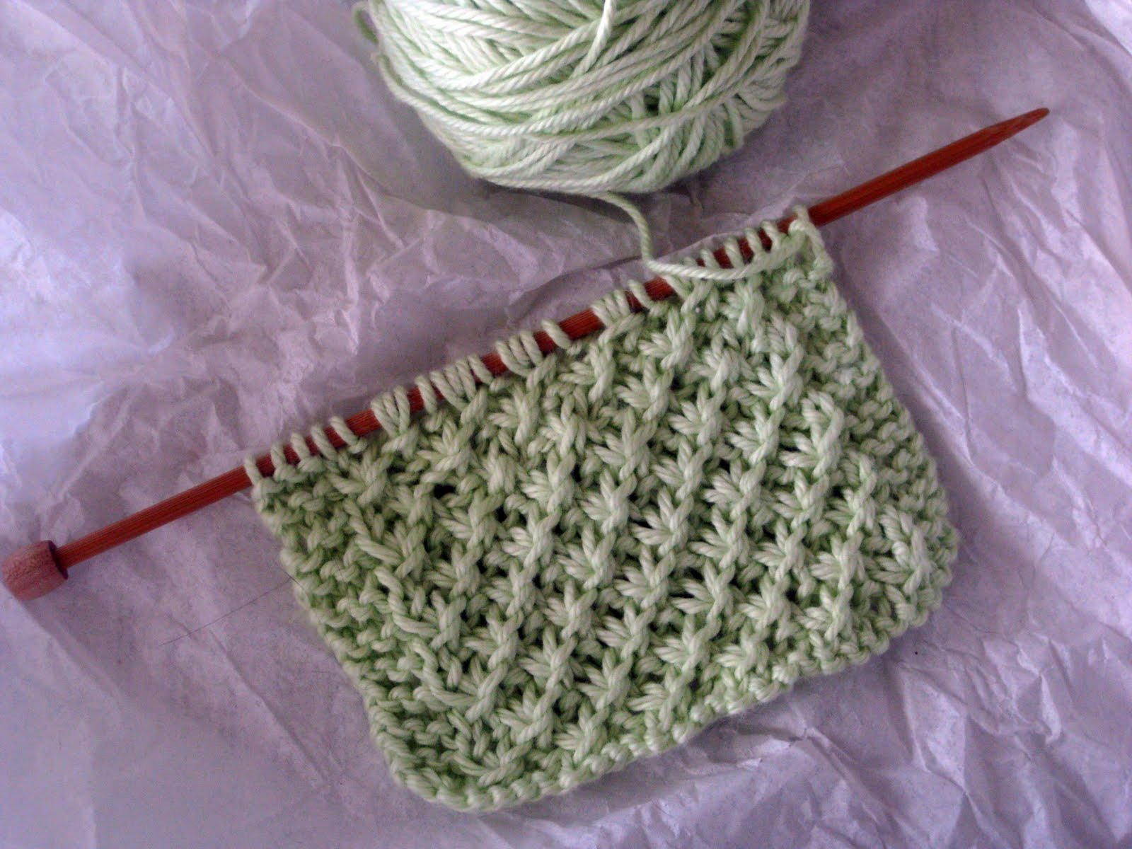 Knitting Daisy Stitch Pattern : golden bird knits: In my little corner of the world