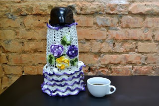 http://www.circulo.com.br/pt/receitas/decoracao/capa-de-croche-para-garrafa-termica