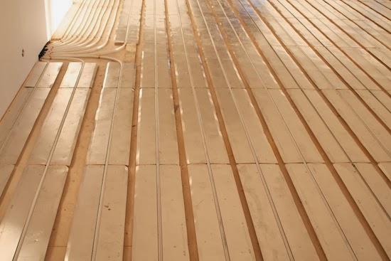 Lankkulattia vesikiertoinen lattialämmitys