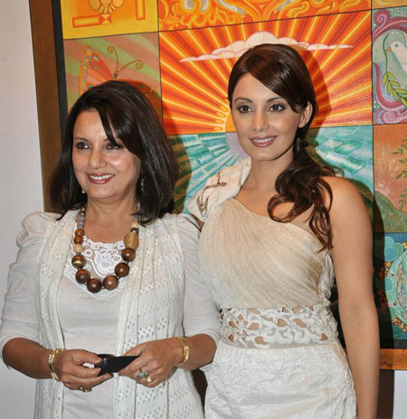 Gorgeous Minissha Lamba at Mother's Art Exhibition