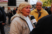 . Cecilia Aguero dando testimonio del apoyo del Papa Bergoglio al trabajo . isabel