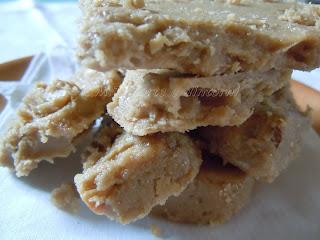 Helwa tat-tork: dolce di sesamo
