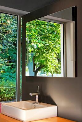 طرق رائعة لااستغلال المرآة فى منزلك .. vanitymirrortv.jpg