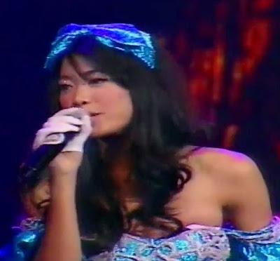 Foto dan Video Baju Melorot Widi Vierra di Launching Trans Studio Bandung - www.iniunik.web.id