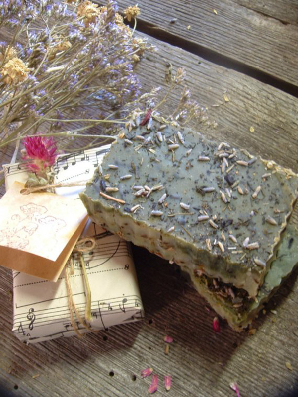 detalle para decorar y regalar jabones artesanales-con semillas