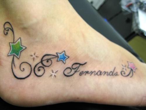 Tatuagem nome no pé