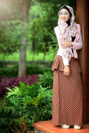 busana muslim modern wanita