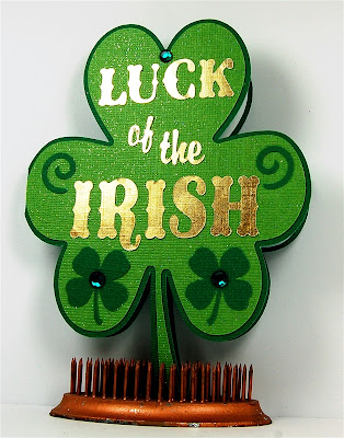 http://www.capadiadesign.com/2013/03/luck-of-irish-card.html#.UyPOnYUaLGU