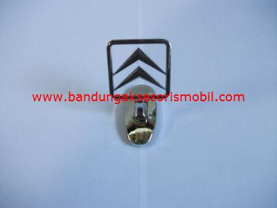 Logo Kap Mesin Citroen Berdiri