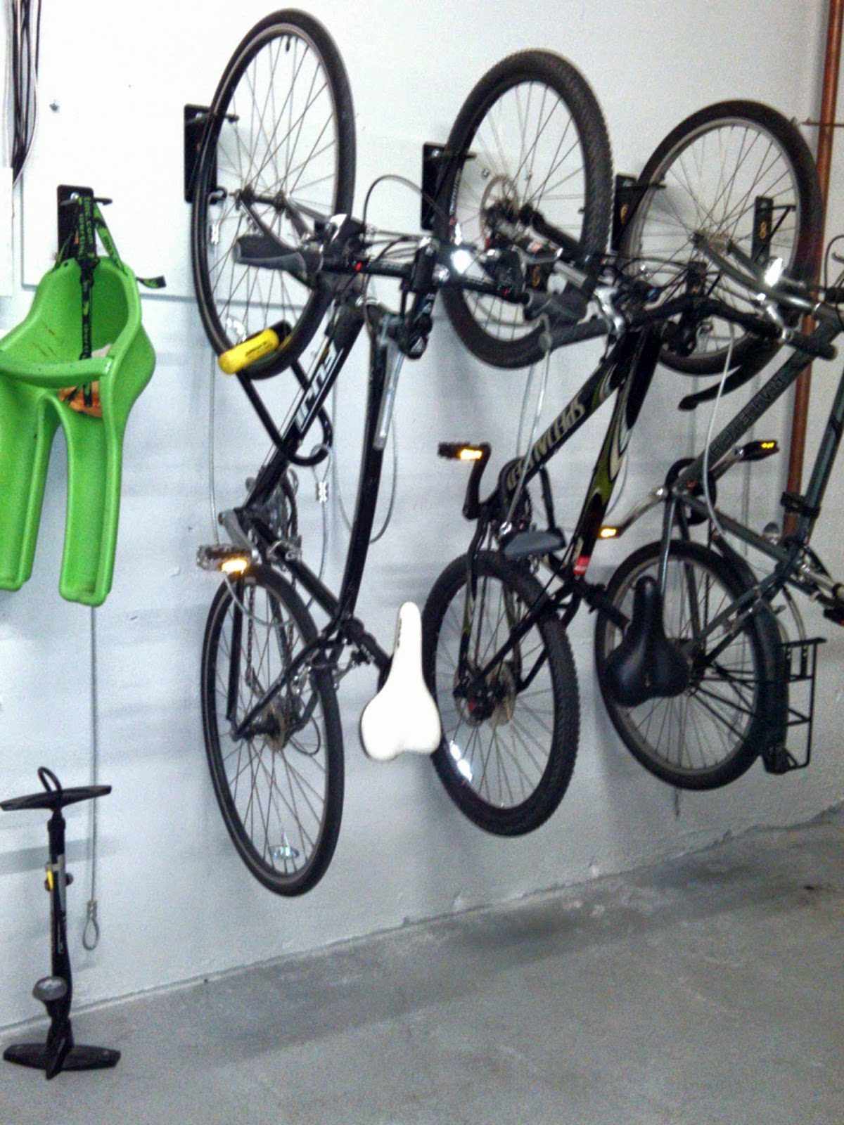 mount pin rack pinterest diy wood wall simple bike projects