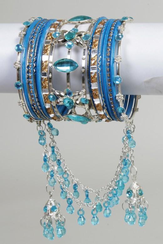 Blue Pakistani Bangles 520x779 Bangles For Bride