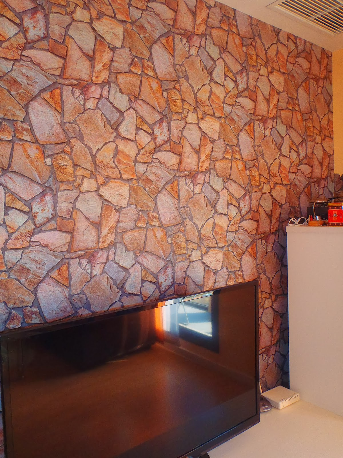Pinturas ngel zaragoza papel pintado imitaci n piedra for Papel pintado zaragoza