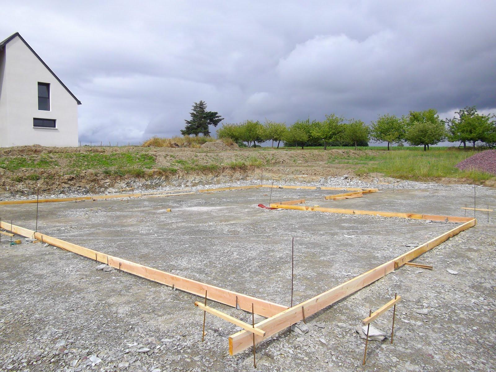 construction de notre maison en bois et paille dalle b ton du hangar. Black Bedroom Furniture Sets. Home Design Ideas
