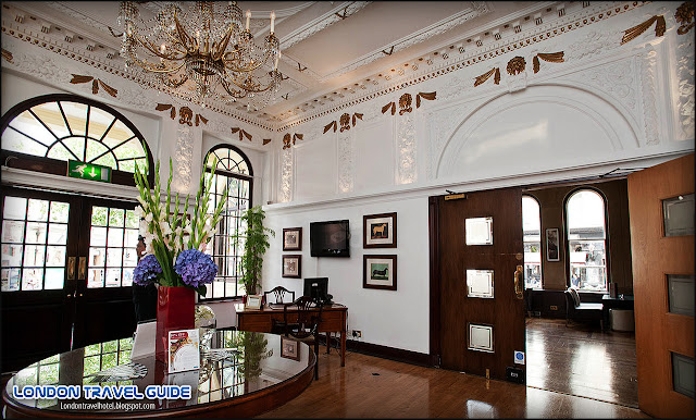 Lobby at the Millennium Bailey's Hotel London Kensington-1