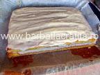 Prajitura cu lamaie prepararea retetei - crema intinsa deasupra