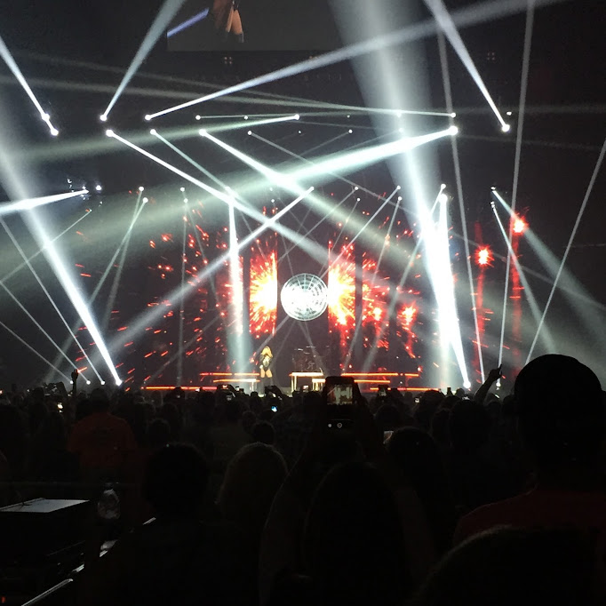 August Instagrams: Shania Twain kills it onstage in Des Moines
