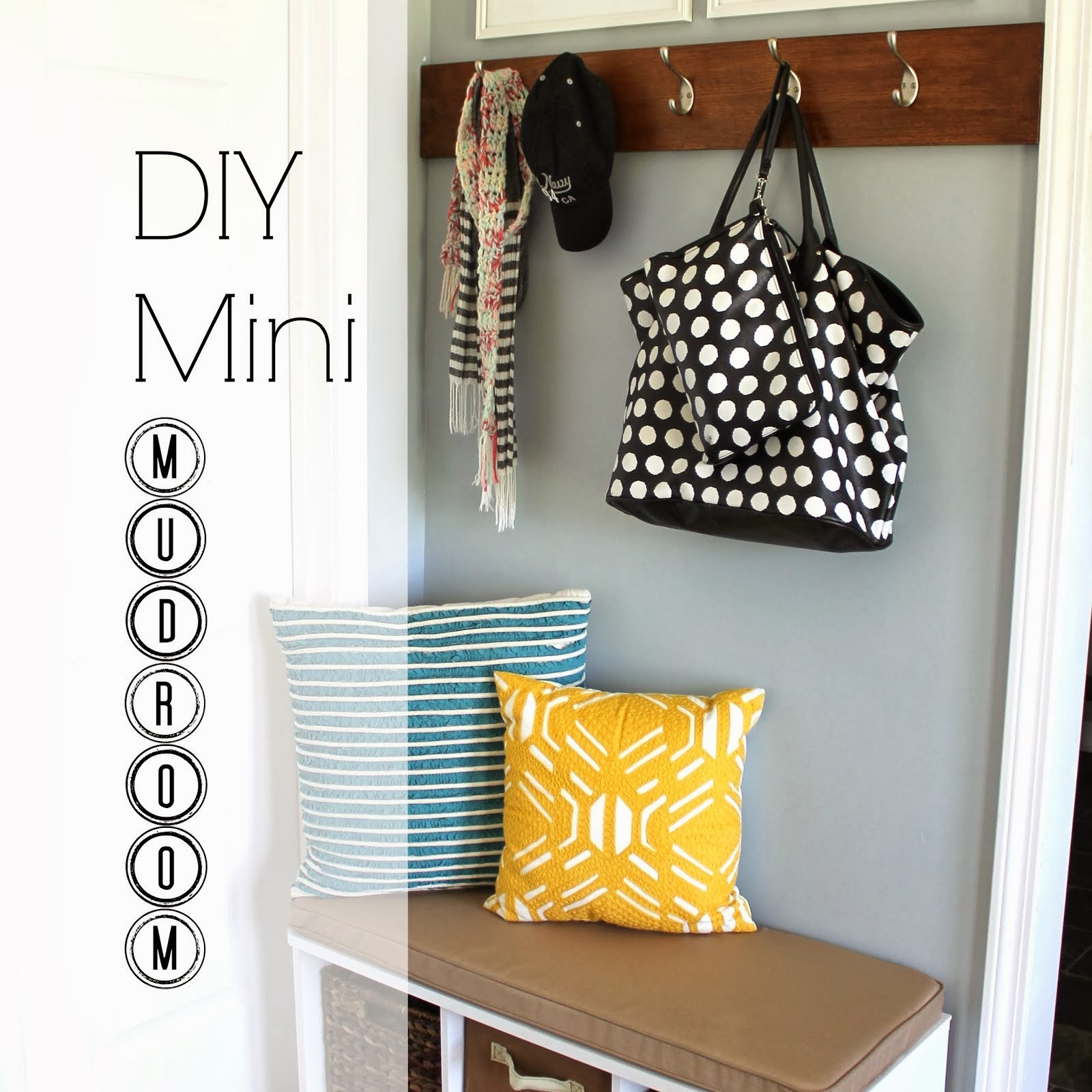 DIY Mini Mudroom