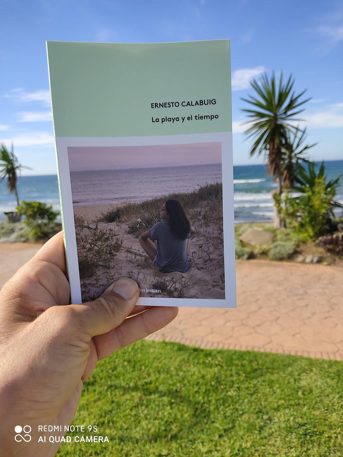 """""""La playa y el tiempo"""" (Tres Hermanas libros, 2020)"""