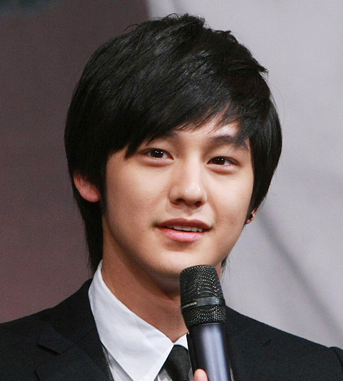 korean_male_hairstyle_pictures_kim_bum_hairstyle-korean_celebrity ...
