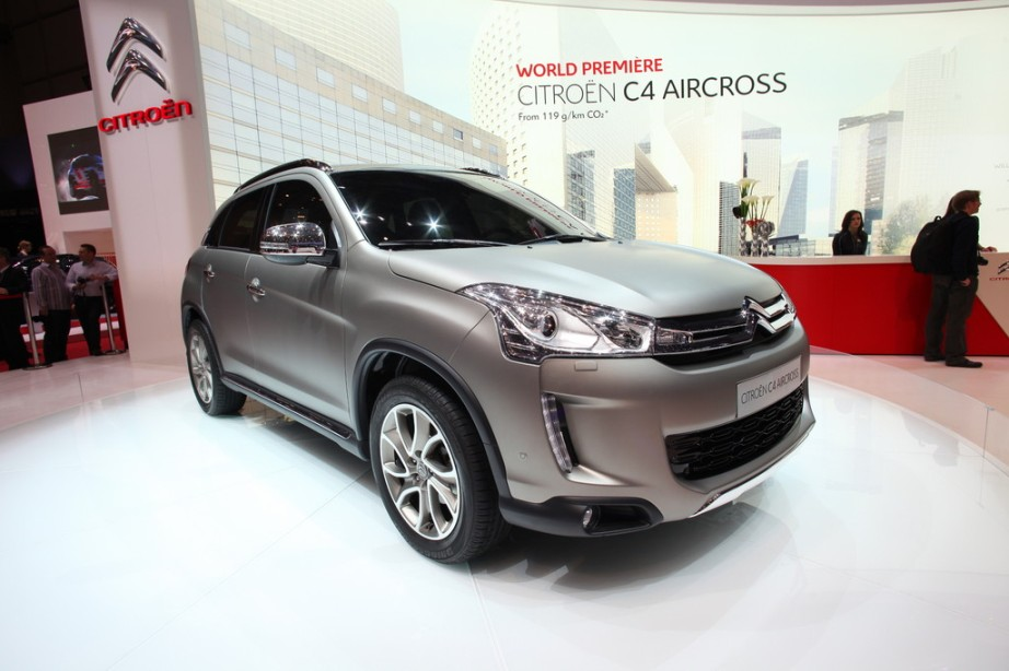 Citroen introduces c4 aircross 2013 at geneva 2012 for Garage citroen c4