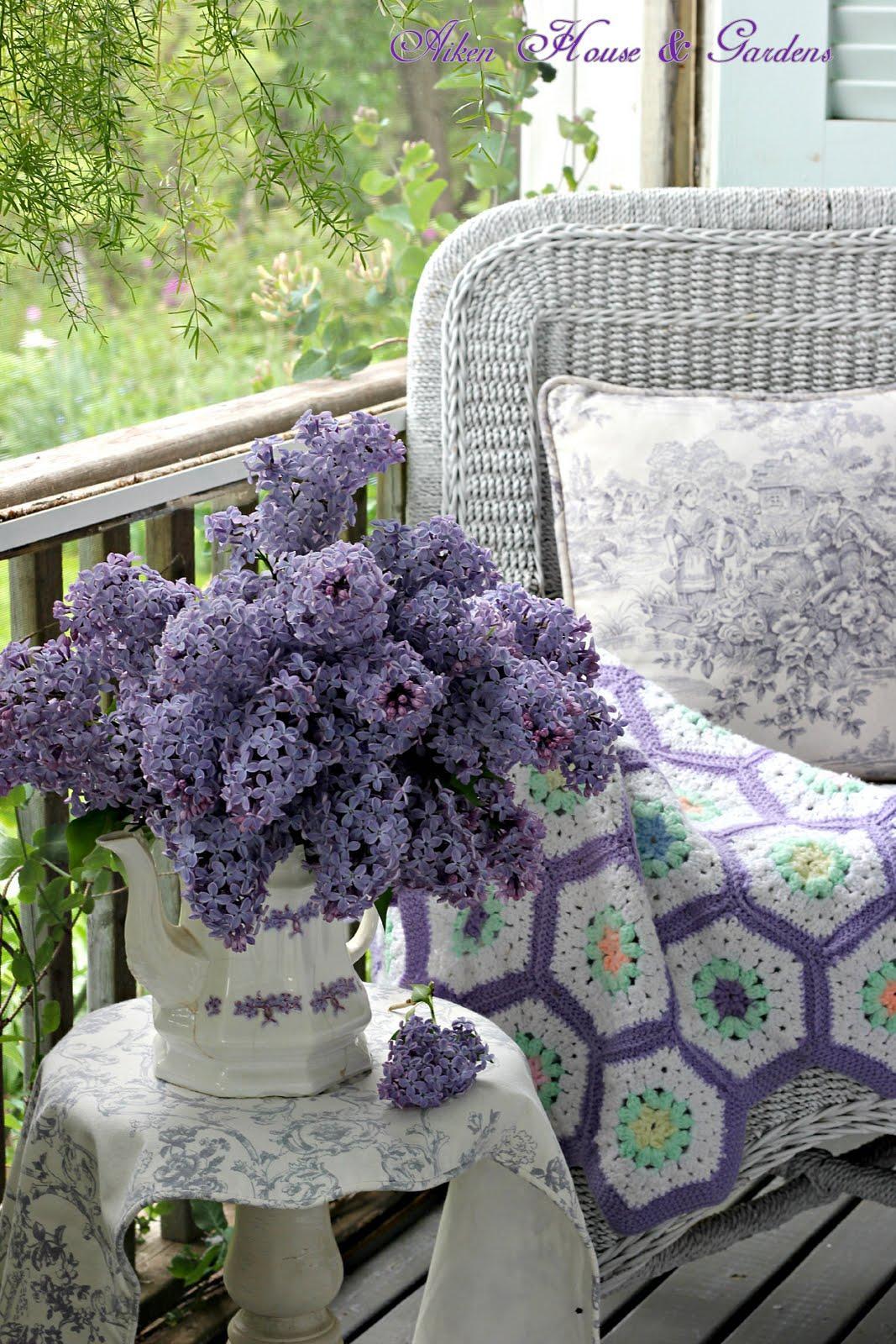 Aiken house gardens it 39 s lilac season in our garden for Aiken house