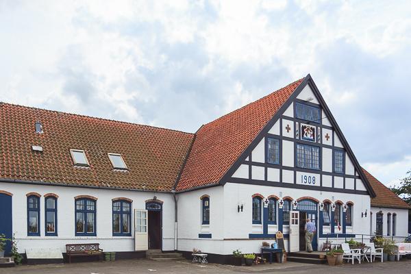 Amalie loves Denmark - Ftu Pedersens Cafe auf Bornholm