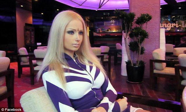 Valeria Lukyanova, Wanita Barbie 21 Tahun yang Menghebohkan Youtube