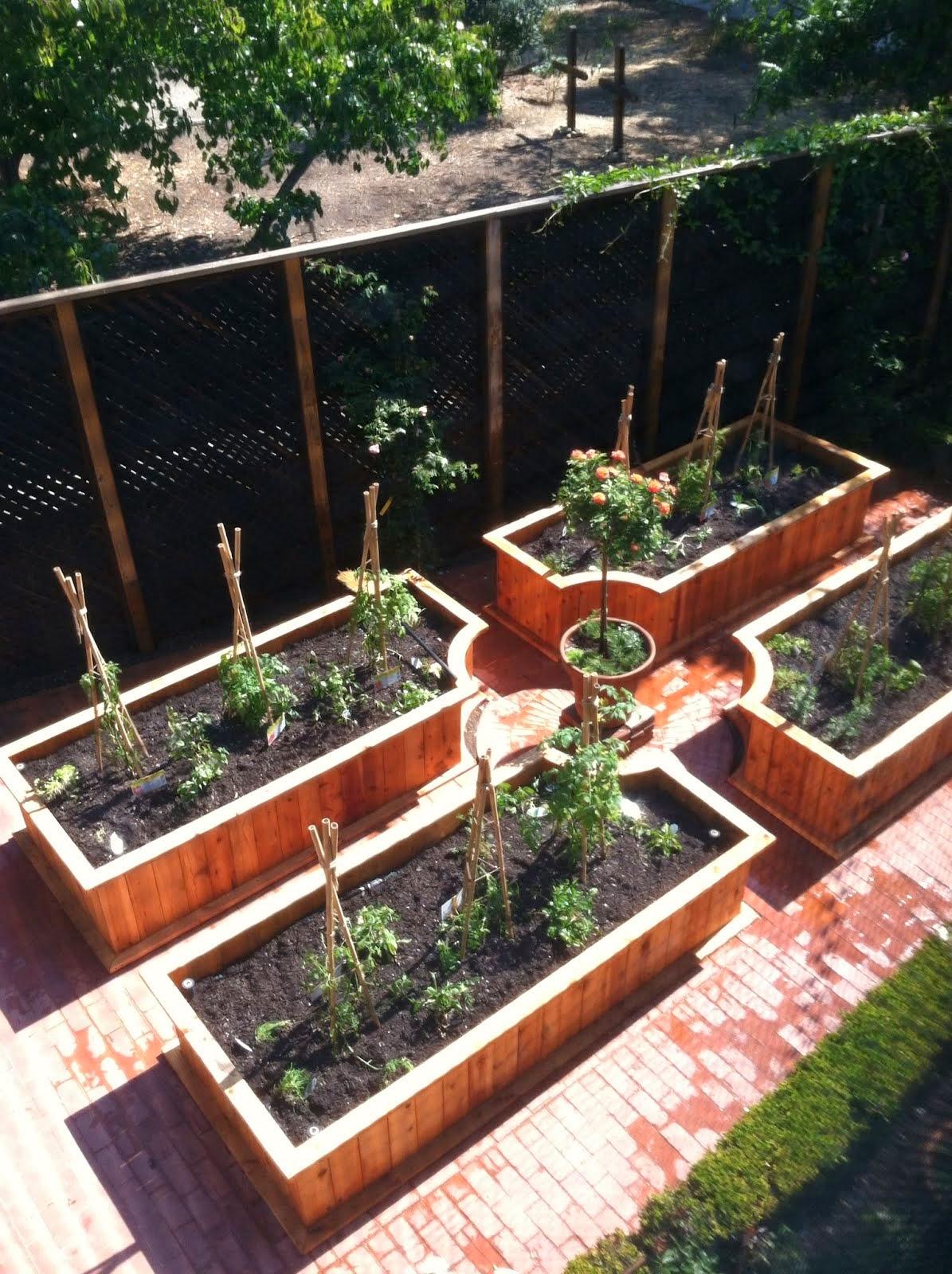 custom radius planters