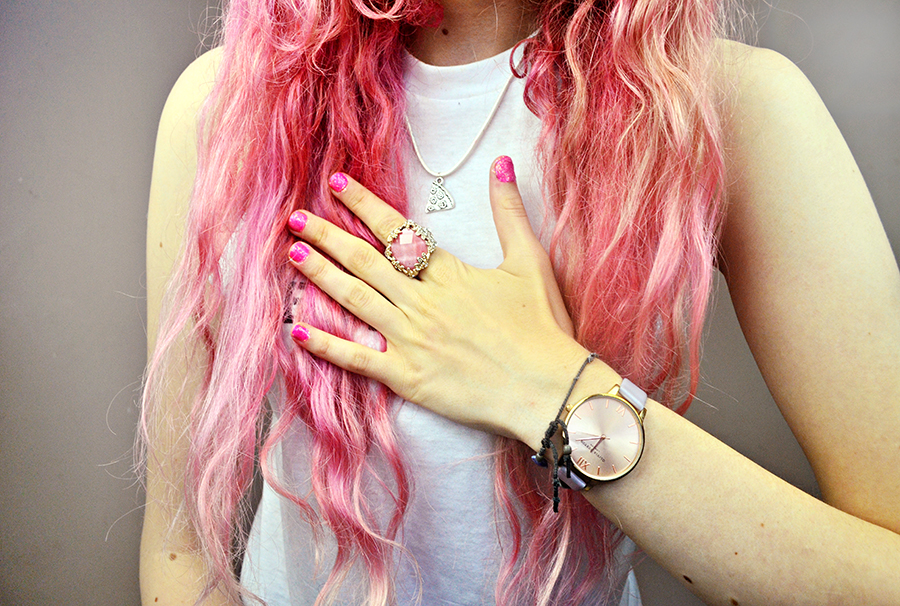 Stephi LaReine// UK Fashion Blogger, pink hair, top knot, olivia burton watch, west coat tee, oceanic jewellery