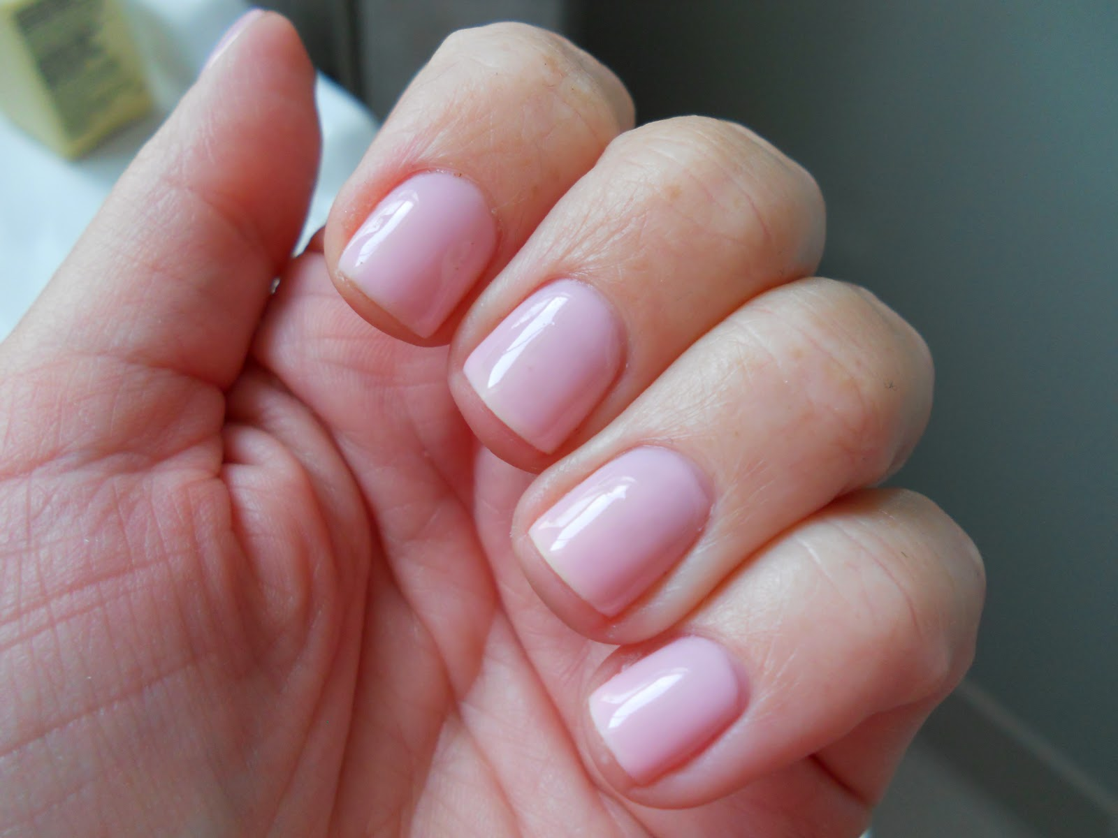 SMITTEN...in cleveland: CND Shellac Review
