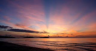 غروب الشمس على الشاطئ sunset beach