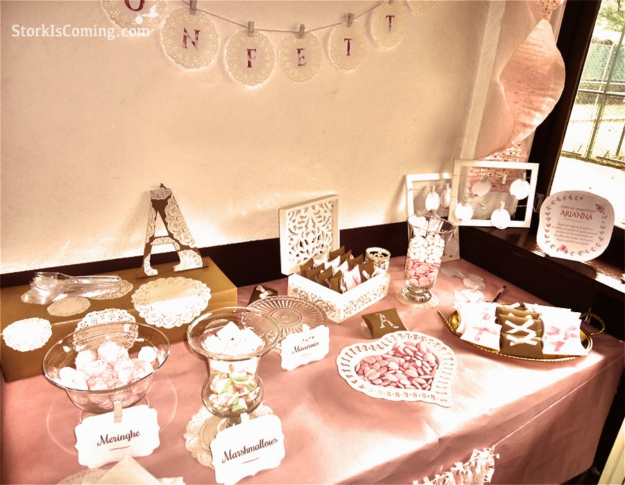 favour bags and sweets table at vintage party